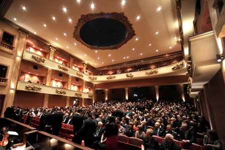 Teatru_Astra_fully_packed_small